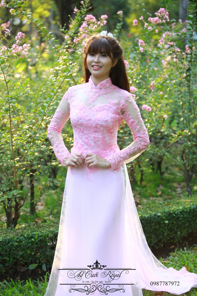 ao-dai-cuoi-royal-hong