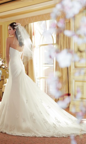 Y11406_Back_wedding_dress_2014