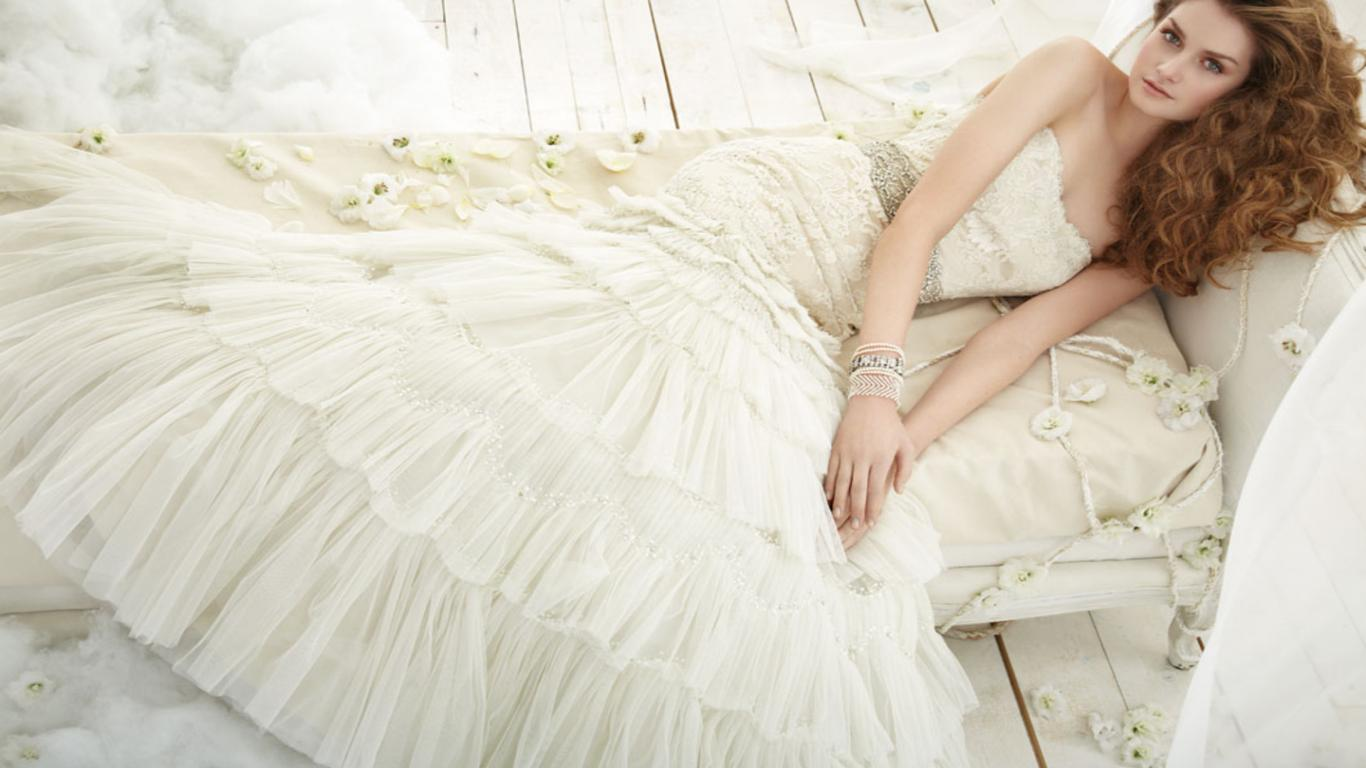 beautiful-wedding-dresses-wallpaper